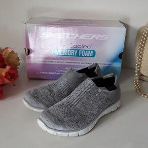 Skechers gray fabric air-cooled memory foam 6.5